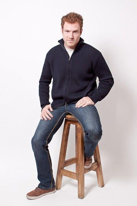 Campera cuello alto con bolsillos laterales