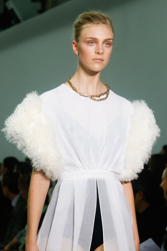 Giambattista Valli Spring 2014 RTW - Details - Fashion Week - Runway, Fashion Shows and Collections - Vogue