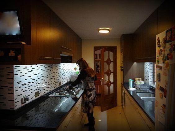 Cocina empotrada mueble enchapado tiradores met licos - Luces para muebles de cocina ...