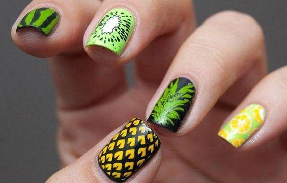 Diseños de uñas a la moda actual, diseño de uñas a la moda tropical.   #uñasbonitas #decoratednails #uñasbonitas