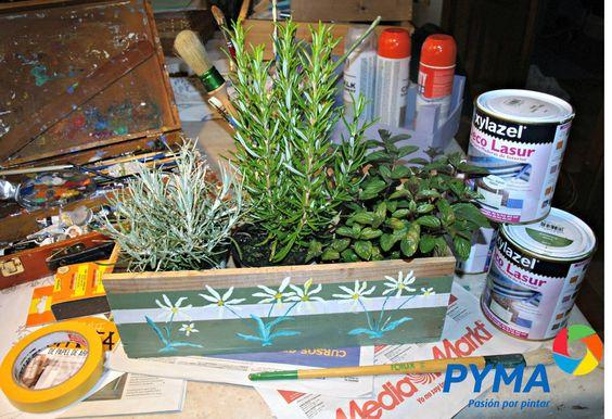 Convierte una caja de vino en una preciosa jardinera con PYMA, #Decolasur de Xylazel y la #cintaWashi de Miarco en este post http://www.pyma.com/tutoriales-y-trucos/diy-convertir-con-lasur-una-caja-de-vino-en-una-preciosa-jardinera/ Localiza tu tienda PYMA más cercana en  http://www.pyma.com/tu-tienda-mas-cercana/