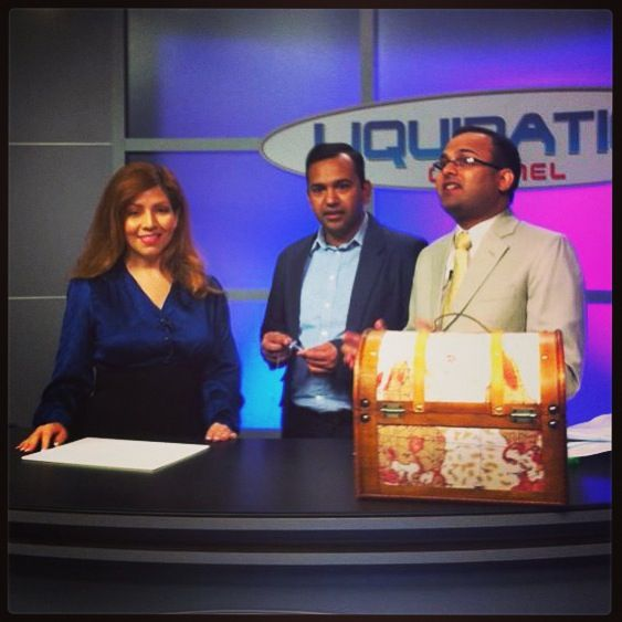 Lc host loretta along with merchandise executives sharad for Liquidation tv