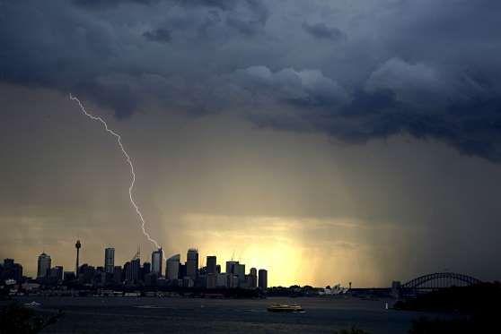 Una tormenta sobre la ciudad vista desde Nielsen Point el 20 de octubre. - Newspix/REX Shutterstock/Rex Images
