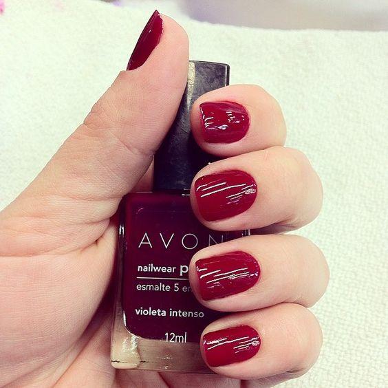 #ShareIG Apaixonada por esta cor!! A foto não mostra a cor de verdade, parece que é vermelho, mas é um bordô lindo!! #diademulherzinha #cuidardemim #ameiacor #avon #violetaintenso