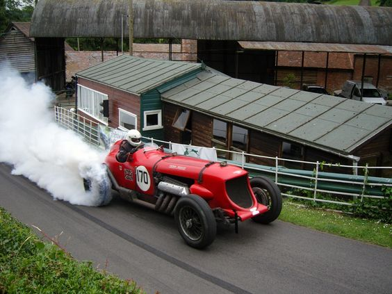 Napier-Bentley 24 liter smoking the rear tires...