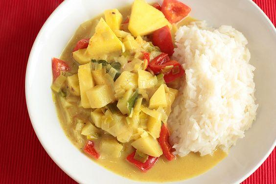 Gemüsecurry mit Ananas und Kokosmilch by diekatrin, via Flickr