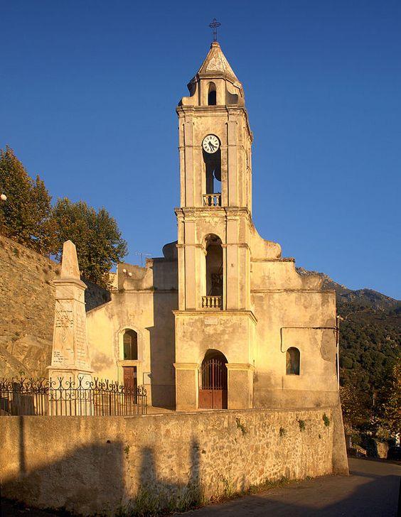 Corsica - Ponte-Leccia - Corsica - Pietralba - Église San Roccu et le monument aux morts