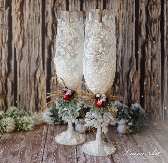 Christmas Barn Wedding: Rustic Wedding Champagne Glasses Winter Wedding Christmas