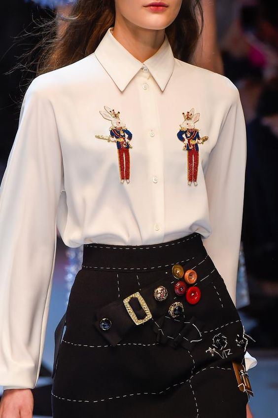 View all the detailed photos of the Dolce & Gabbana autumn (fall) / winter 2016 showing at Milan fashion week.  Read the article to see the full gallery.