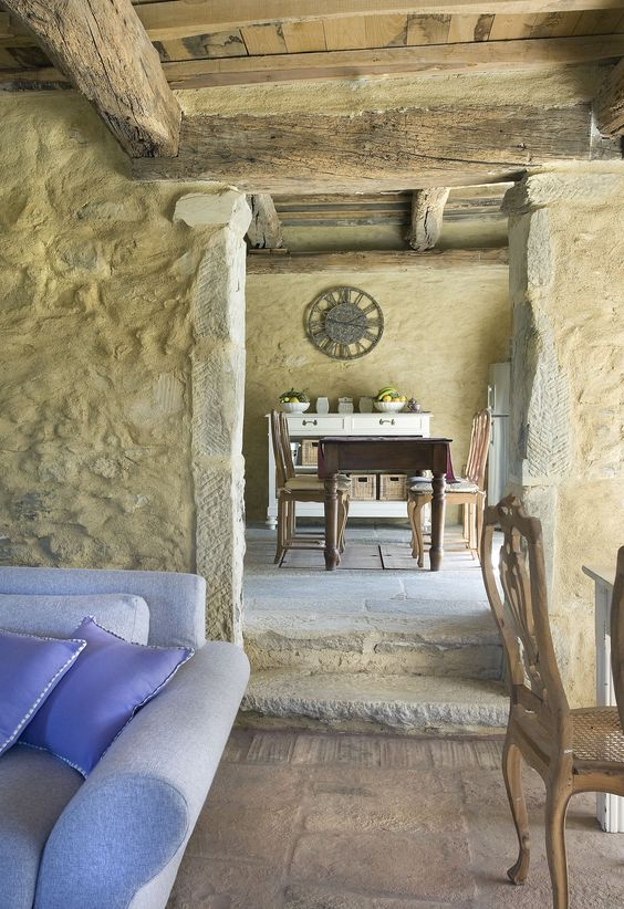 Tuscany farmhouse interior. European Farmhouse and French Country Decorating Style Photos. #rusticdecor #tuscany #stone #farmhouse #interiors