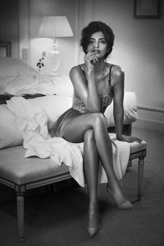 Resultado de imagem para imagens de mulheres e homens em preto e branco
