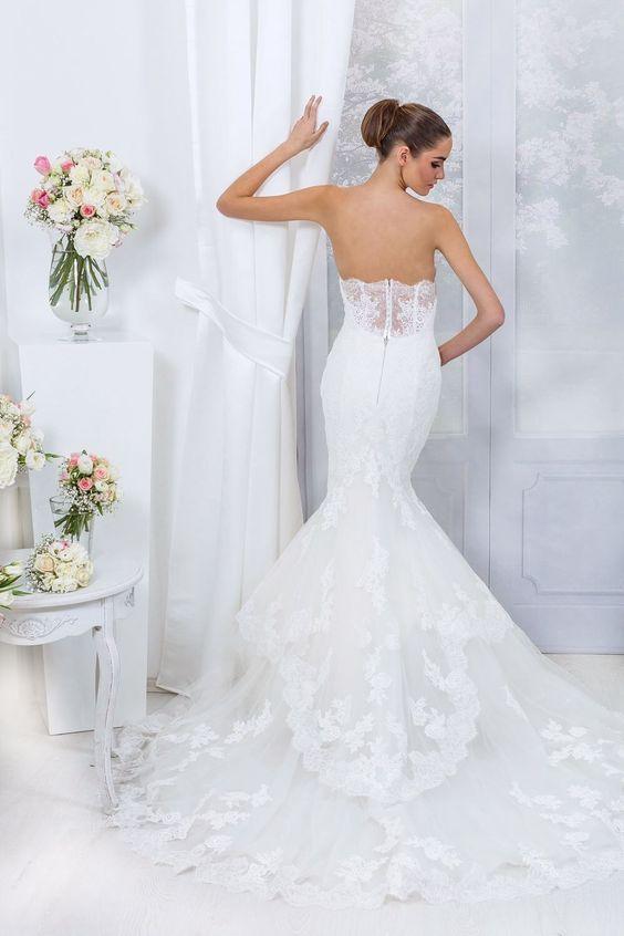 Sophisticated wedding dress