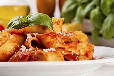 Fettuccine en salsa de tomate