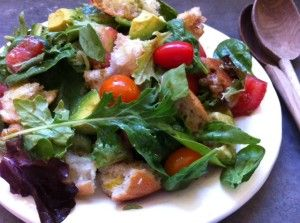 Easy Weeknight Greens: Summer Panzanella Salad / MOMS KITCHEN HANDBOOK