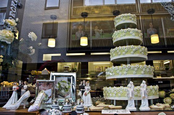 Exhibition store windows 10/10 – eight of ten