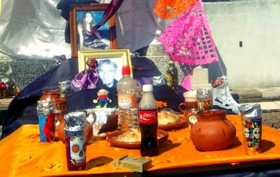 Day of the Dead – How to Make a Day of the Dead Altar   QueRicaVida.com