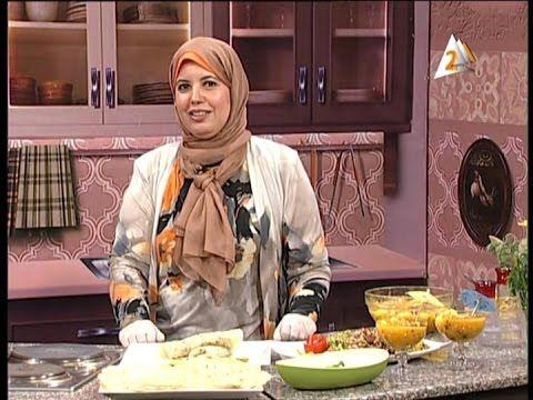 الشيف فاطمة ابو حاتي شاورمة الفراخ التومية الرقاق الطري فروت سلاط Youtube Recipies Food Chicken