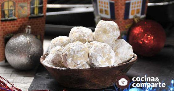 Bolitas de nuez con mantequilla hecha por Sonia Ortiz. Estas galletas navideñas son sencillas de preparar. Son ideales para que los niños las hagan y regalen a sus maestros.