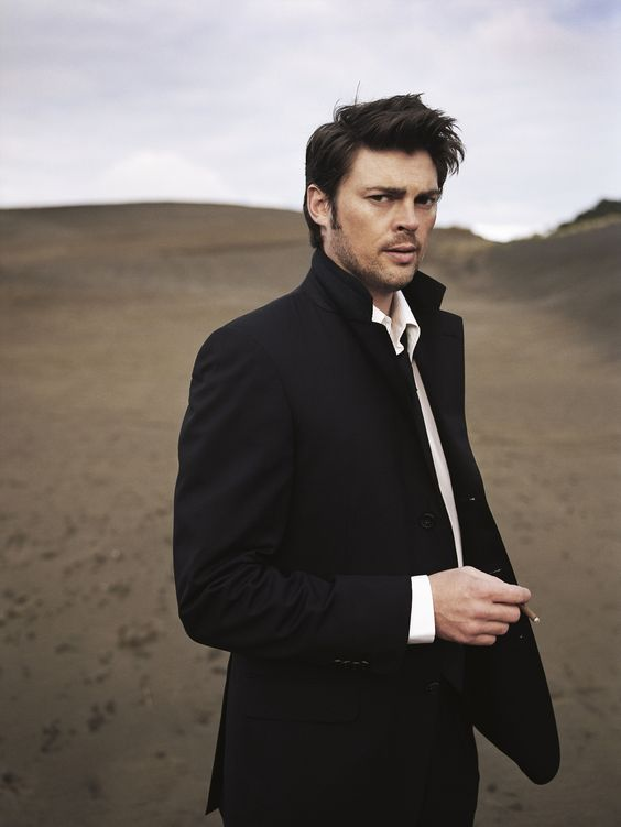 """Karl Urban yum <== I have to pin this so the next time I see him walking around St Luke's in his bare feet I can go """"yea but he scrubs up nice."""""""