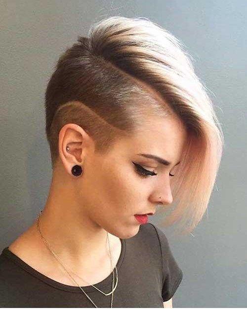 Frisuren Kurz Madchen 2021 In 2020 Half Shaved Hair Short Shaved Hairstyles Thick Hair Styles