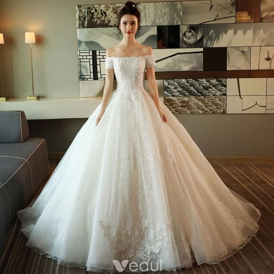 Modest / Simple Ivory Wedding Dresses 2018 Ball Gown Off-The-Shoulder Short Sleeve Backless Appliques Lace Ruffle Royal Train