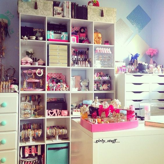Omg what a girly stuffs future home pinterest for Bedroom organisation inspiration