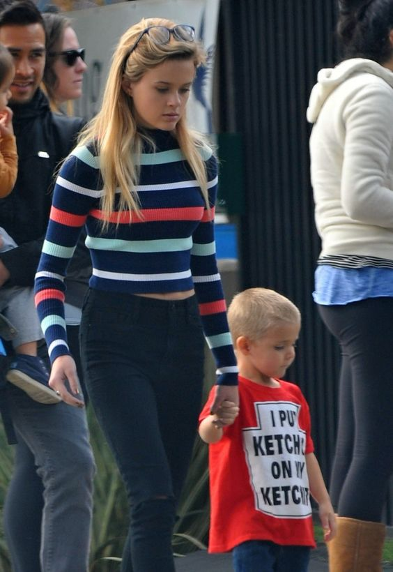 Reese Witherspoon's kids Ava and Tennessee step out on January 16, 2016