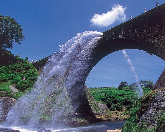 熊本県の通潤橋