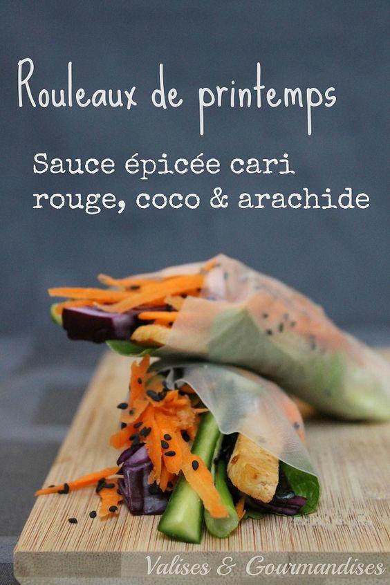 Les légumes frais et les fines herbes s'allient à la sauce épicée cari rouge, lait de coco et arachide pour créer les parfaits rouleaux de printemps.