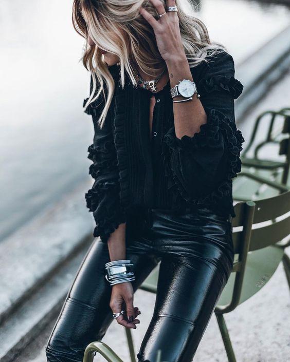 BLOUSE À VOLANTS  In love ♡ de cette blouse à volants Isabel Marant... chic & sexy avec un slim en vinyle...