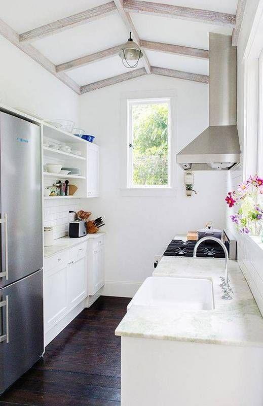 0253e25bcef8e54ebe8a141d8b4bcd38 small galley kitchens galley kitchen design