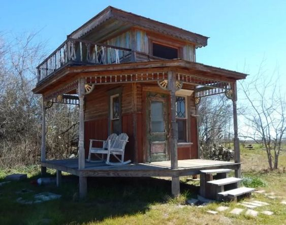 Gingered Swan Tiny Texas House 001 - if you like REALLY rustic.