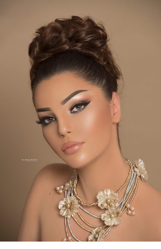 Chic Wedding Make Up Idea Coiffure Et Maquillage De Mariage Maquillage Elegant Maquillage De Mariee