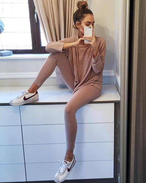 "Alicia Roddy på Instagram: ""loungewear by @prettylavishuk """