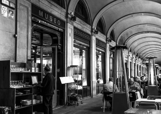 When a museum becomes a restaurant.  Plaça Reial, Barcelona