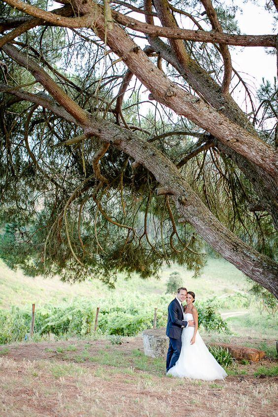 Paarfoto Landhochzeit in Portugal fotografiert von Hochzeitsfotograf Anni Hochzeitsfotografie aus Köln