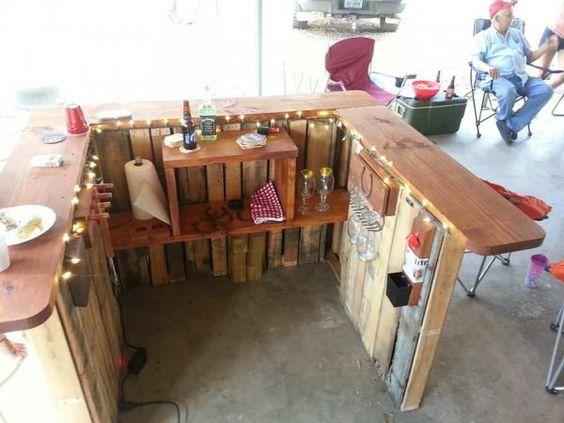 Backyard Pallet Western Themed Bar - küche aus paletten