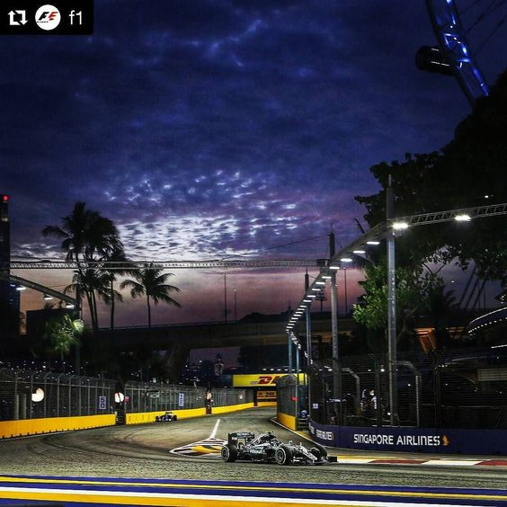 #Repost @f1 Unstoppable! @nicorosberg takes pole for the #SingaporeGP ahead of RIC HAM VES and RAI #F1NightRace #F1 #Formula1