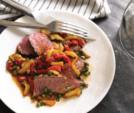 steak d'aloyau aux poivrons---------------------Une idée de recette facile de souper de la chef du Food Network Giada de Laurentiis....