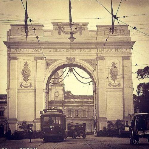 Ephemeral architecture in central area of Sao Paulo (circa 1922)