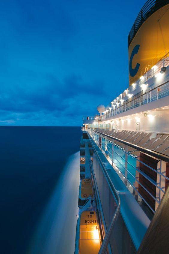 Nailcruise 2011 beauty, welcome on board! - Tentazione Unghie