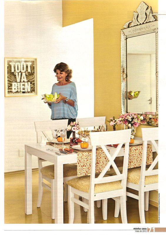 As cadeiras Paris da MMM estão na edição de maio da revista Minha Casa, numa matéria superespecial sobre mães, olha que sala linda!  http://www.meumoveldemadeira.com.br/produto/cadeira-paris-(kit-com-2)-branco-laqueado
