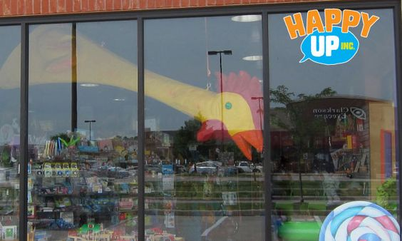 Giant Chicky can seee yooooouu!  - At Edwardsville's Happy Up
