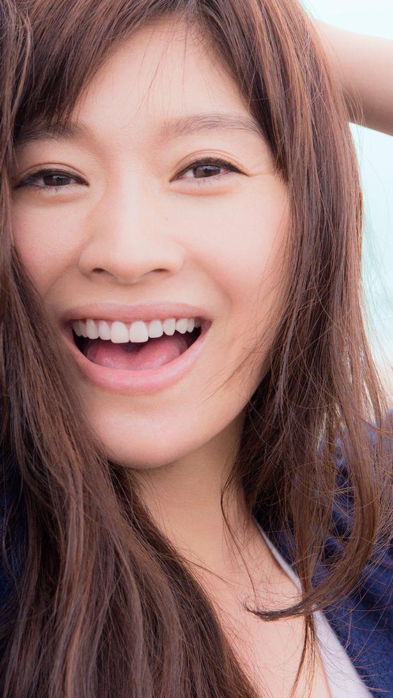 笑顔が爽やかな篠原涼子