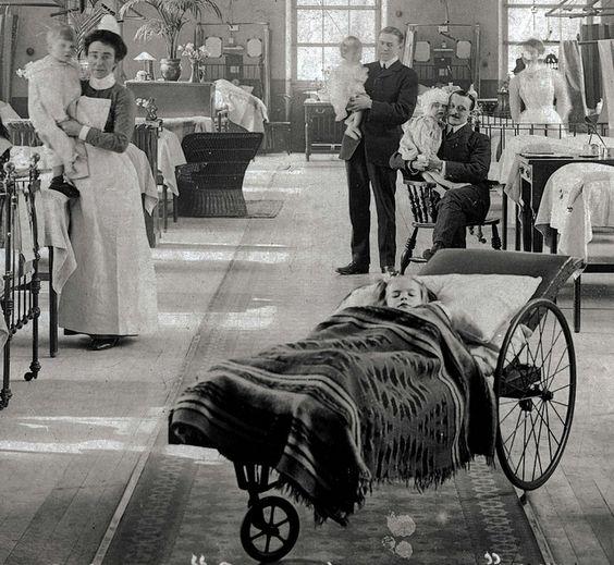 A London Hospital Ward, 1907: