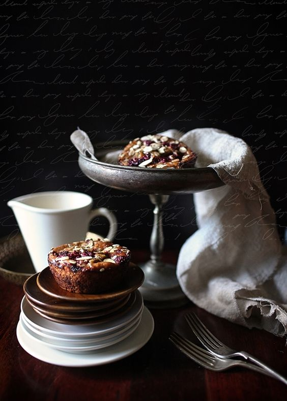 Petits gâteaux aux fruits secs.: Blackmore Photography, Fruit, Dried Fruit, Dark Tones, Cupcakes, Amazing Food, Food Photography, Dark Mysterious