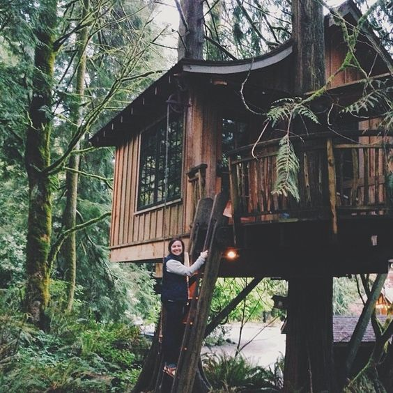 Treehouse // via nannerburns