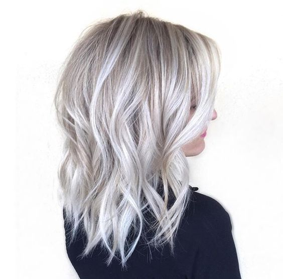Ideas To Go Blonde Icy Short Balayage Allthestufficareabout Com Length Haircuts Short Hairstyles Blonde Bob A Silver Blonde Hair Hair Styles Silver Hair
