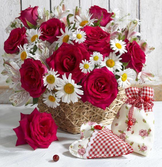 Marianna Lokshina - Red Roses_LMN29504:
