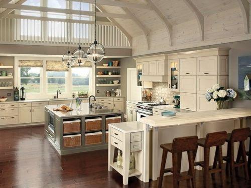 Gemütliche Küche im Landhausstil einrichten weiß   Ideen rund ums ...